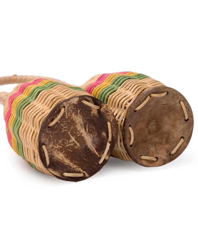 ラタンシェイカー 【取っ手付き・ダブル】 3 - 底の部分です。硬いココナッツがつけられているので、シャカシャカといい音がします。