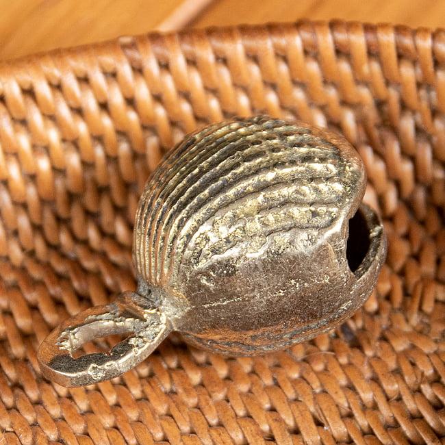 インドの鈴 貝殻グングル[約4.3cm×約3cm] 3 - 横の写真です