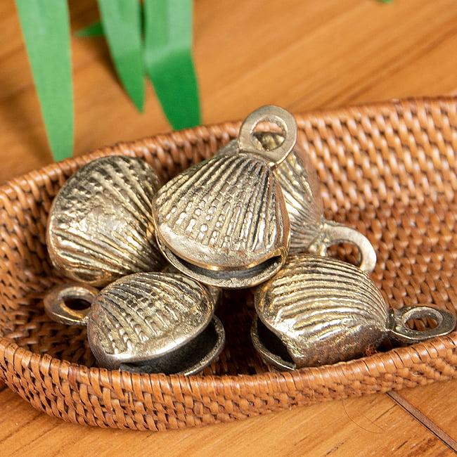 インドの鈴 貝殻グングル[約4.3cm×約3cm] 6 - 複数あると音に厚みが増していい感じです