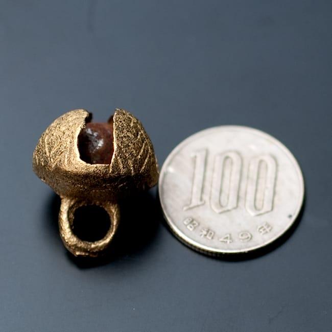 グングル用鈴【直径:約1.7cm】10個セット 5 - 100円玉と比較してみました