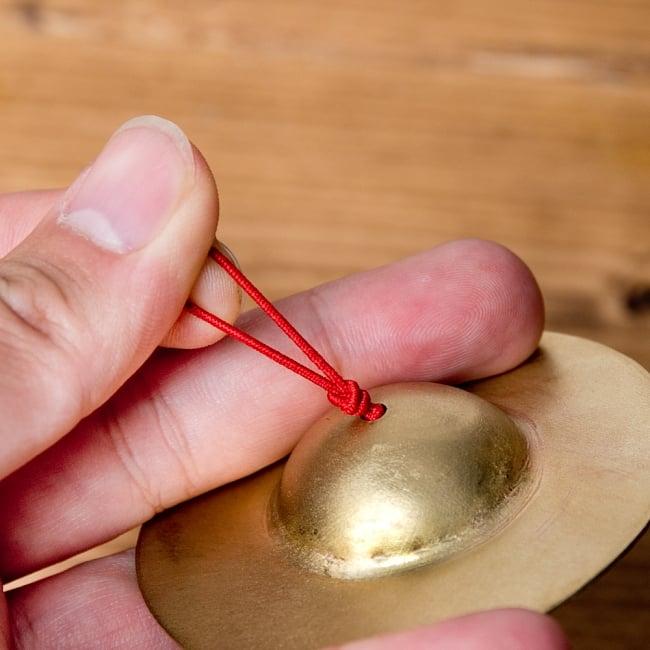 フィンガーシンバル - 6.5cm 5 - 伸びるゴムの素材が使われています