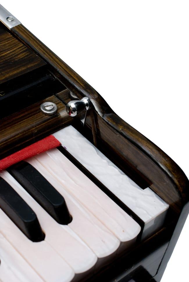 【Kartar Music House社製】ポップアップハルモニウム 8 - 連動用のレバーです