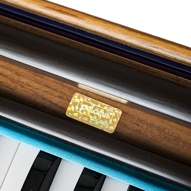 【PALOMA社製】携帯ハルモニウム(品質良)の写真4 - 鍵盤の拡大写真です