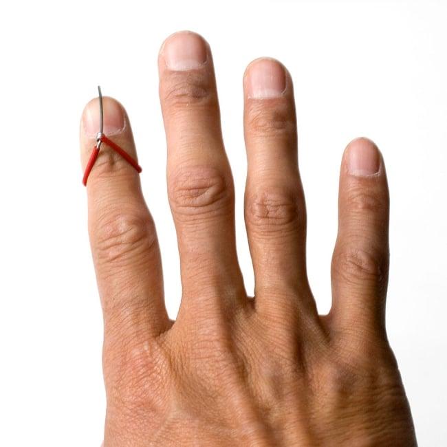 ミズラーブ - Mizrab【シタール用のピック】 5 - 右手の人差指につけてお使いください