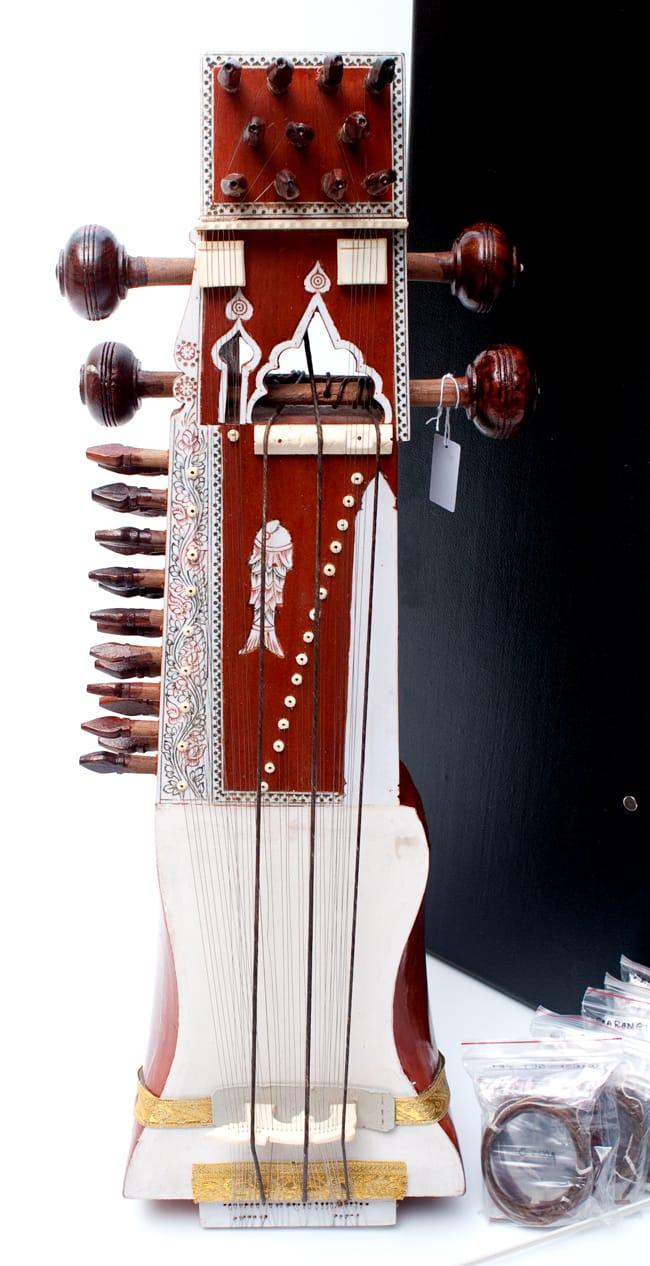 サーランギ Sarangi [ハードケース・交換弦付き] 2 - 本体の写真です