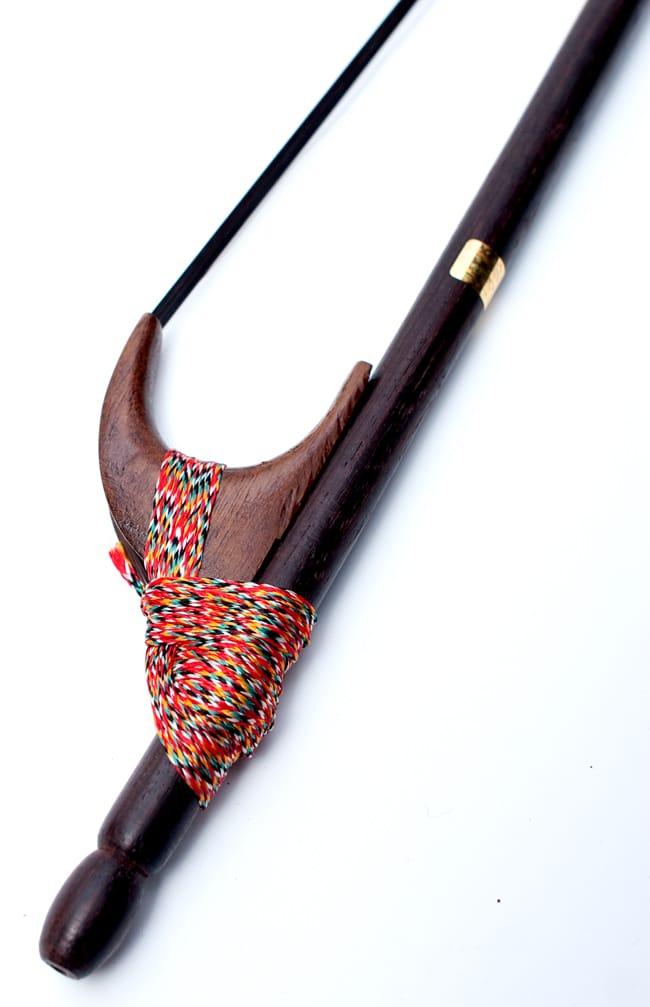サーランギの弓 2 - 持ち手部分はこちら。紐の色は変更になる場合がございます。