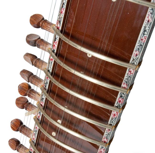 PALOMA製 スルバハール(Surbahar) 3 - フレットの部分を拡大しました