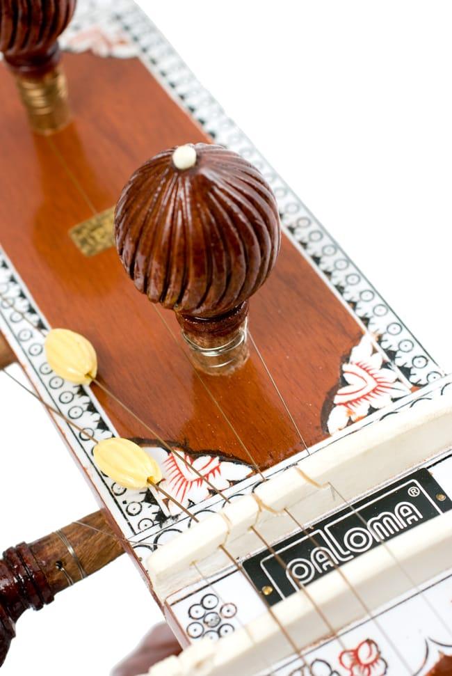 [インド品質]【PALOMA社製】ダブルトゥンバ練習用シタールセット(グラスファイバーケース) 8 - ペグの様子です。