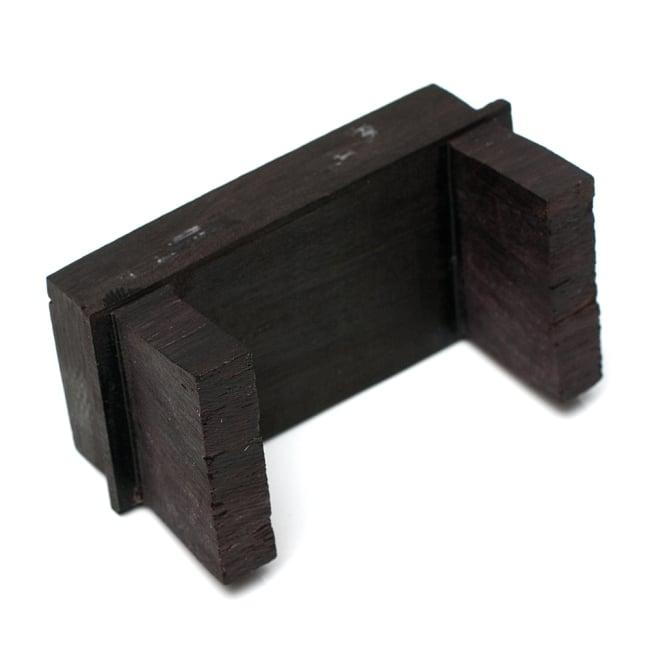 シタール用ブリッジ(ジャワリ) 5 - 裏面です。足の部分は木でできていますので、多少欠けのあるものもございます