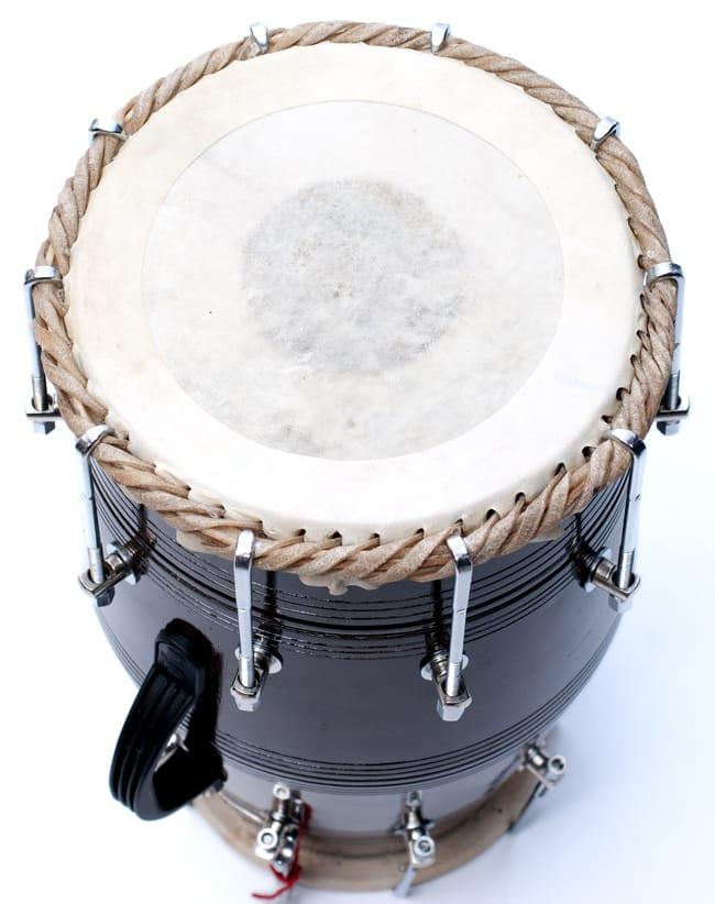 ドーラク(Dholak) インドの両面太鼓 ボルト締め高級タイプ 4 - 鼓面の写真になります