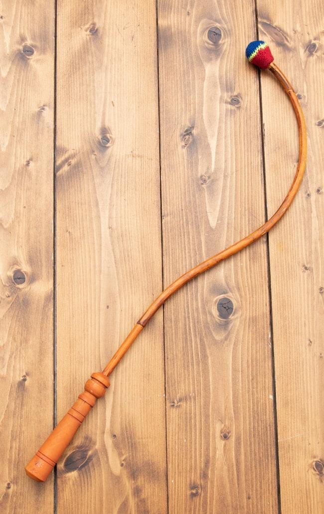 チベットの太鼓 チベット仏教の儀式で使われる打楽器 - ガ(rnga) 6 - バチをみてみました。