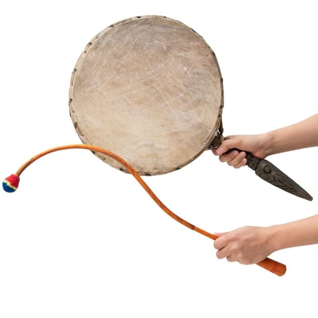 チベットの太鼓 チベット仏教の儀式で使われる打楽器 - ガ(rnga) 8 - これくらいのサイズ感になります。