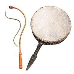 チベットの太鼓 チベット仏教の儀式で使われる打楽器 - ガ(rnga)