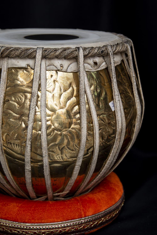 【一点物】タブラ フルセット ブラス・装飾つき 5 - グラマラスな造形が美しいインドの打楽器です。
