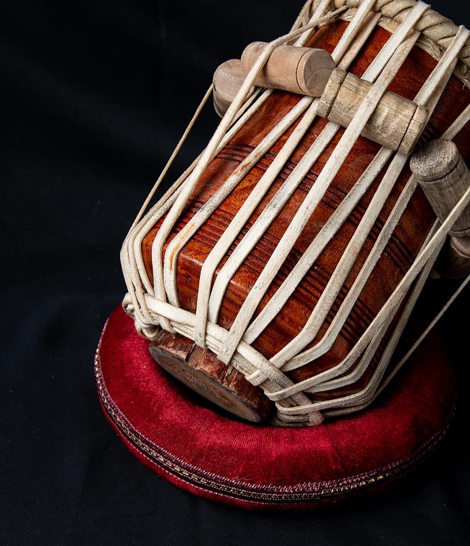 【一点物】タブラ フルセット ブラス・装飾つき 8 - 紐の部分の様子です。