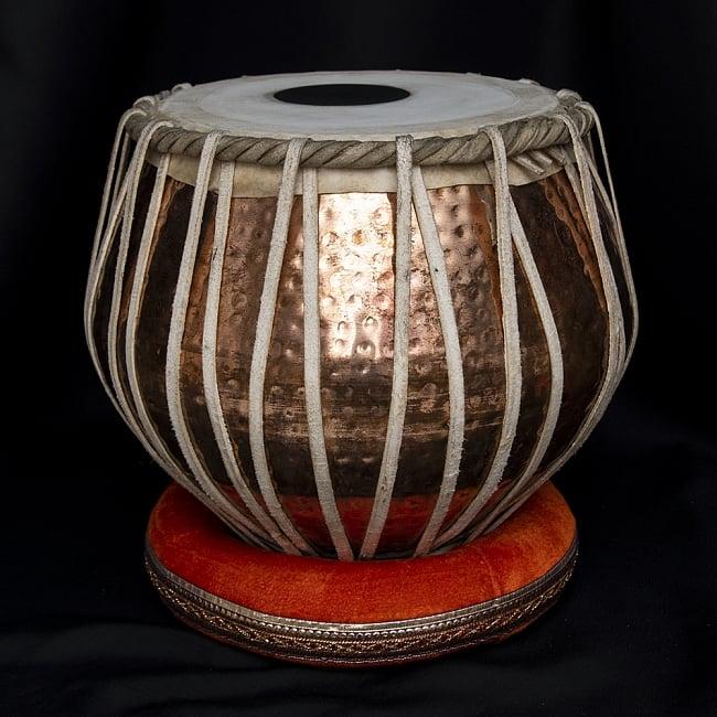 タブラ フルセット 銅・槌目仕上げ 3 - バヤンの全体像です。