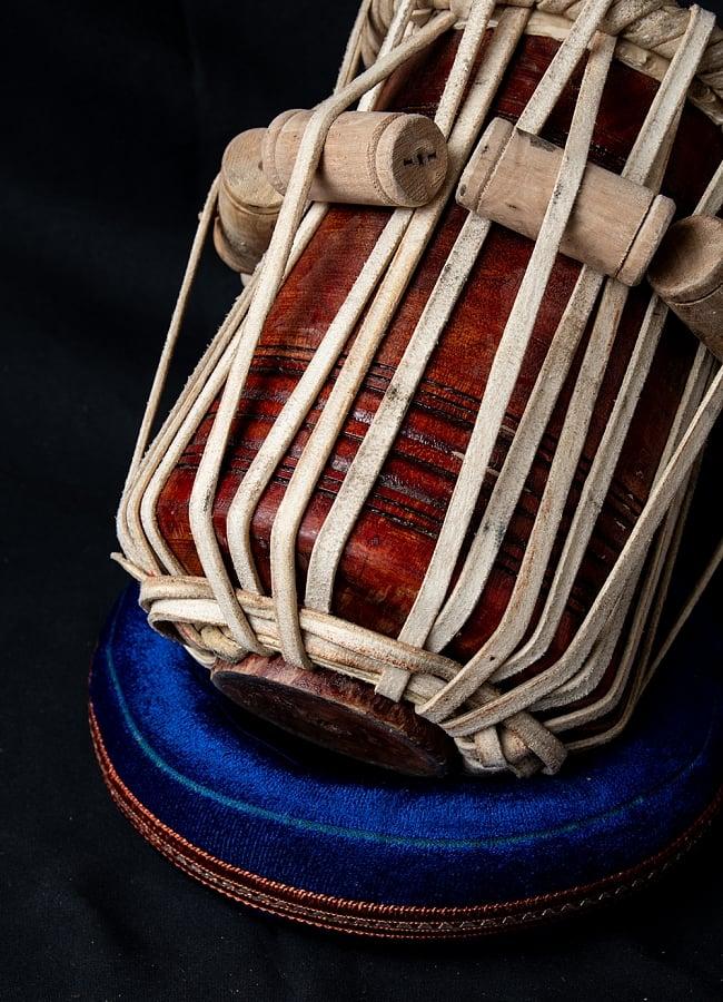 タブラ フルセット 銅・槌目仕上げ 8 - 紐の部分の様子です。