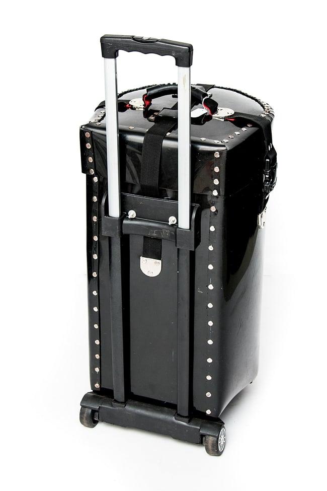 タブラハードケース【キャリー付】 2 - 旅行用スーツケース等によく見られる引き手が付いています。