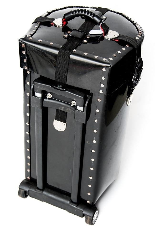 タブラハードケース【キャリー付】 5 - 引き手はこのように小さく収納できます。
