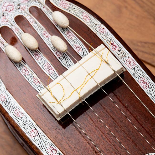 【PALOMA】楽器用 ボックス・タンプーラ・スペシャル 5 - 日本語の「さわり」の語源にもなったとされるジャワリ。独特の歪んだ音色を生み出す重要なパーツです。