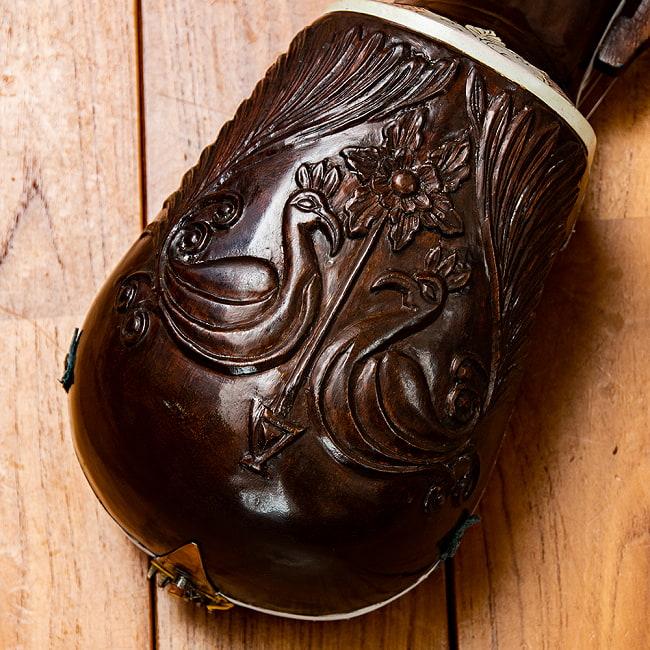 【Kartar Music House社製】エスラジ(esraj) 9 - 裏面には美しい装飾が施されています