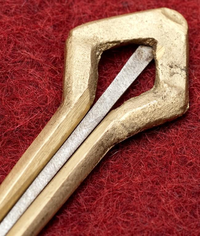 ネパールの真鍮製口琴 - 菱型[約6.5cm]の写真2 - 拡大写真です