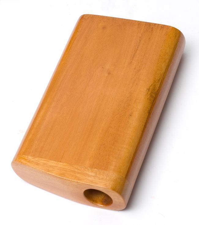 手のひらサイズのコンパクトボックスディジュリドゥ【木目】の写真