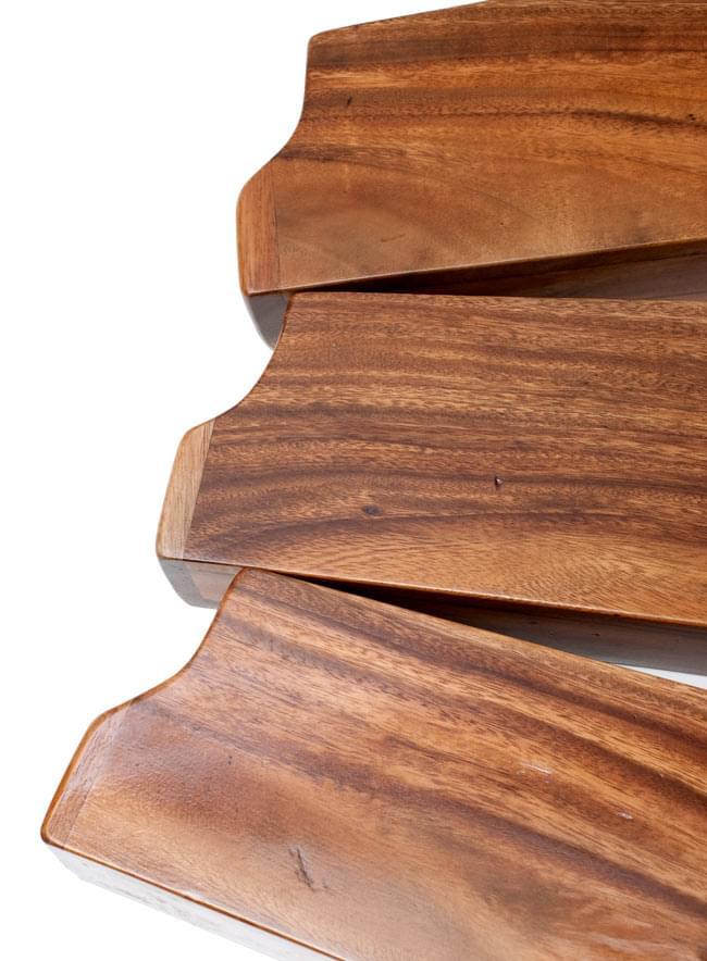 ボックス・ディジュリドゥ【木目・茶・艶あり】 5 - 天然素材を使用し手作りしている為、それぞれ木材の色味や木目などが若干ことなります。