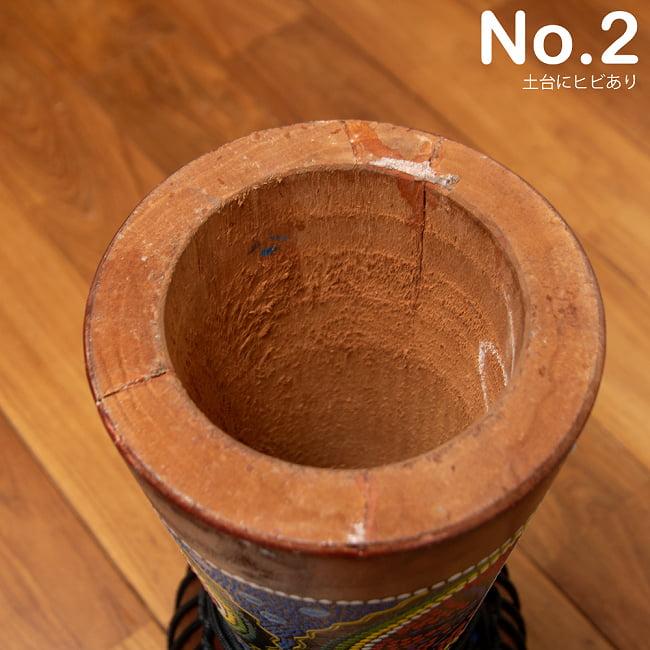 [わけあり品質]ジャンベ (高さ 49cm 直径 23cm) 9 - 『No.2 土台ヒビあり』の裏面の写真です