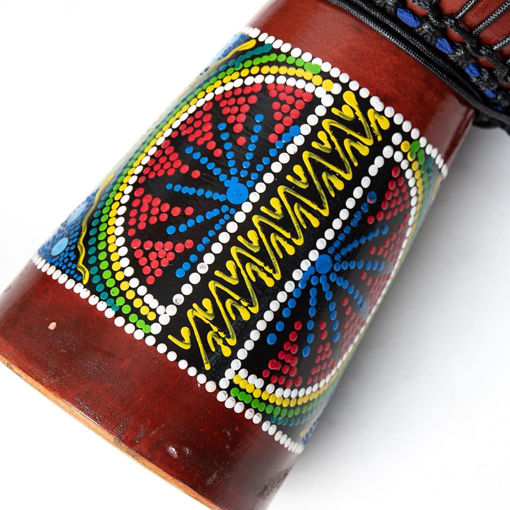 ハンドペイント・トライバル・ジャンベ (高さ 50cm 直径 25cm程度) 4 - カラフルなペイントが施されています。手塗りなので多少個体差があります。