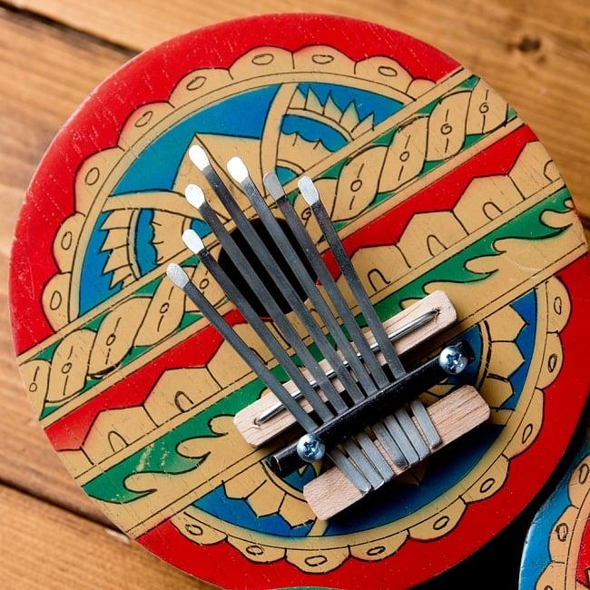7弦カラフルココナッツカリンバ 4 - エスニックなデザインが素敵です。
