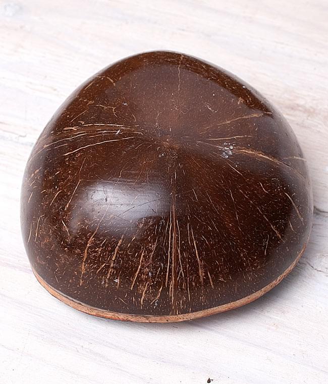 7弦ココナッツカリンバ 【青海・緑道柄】の写真5 - 裏面です。ココナッツのころんとした形がかわいらしいですね