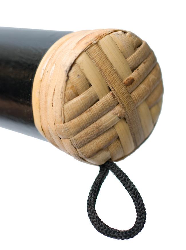 レインスティック (100cm、バンブー【トカゲ、黒塗り】)の写真4 -