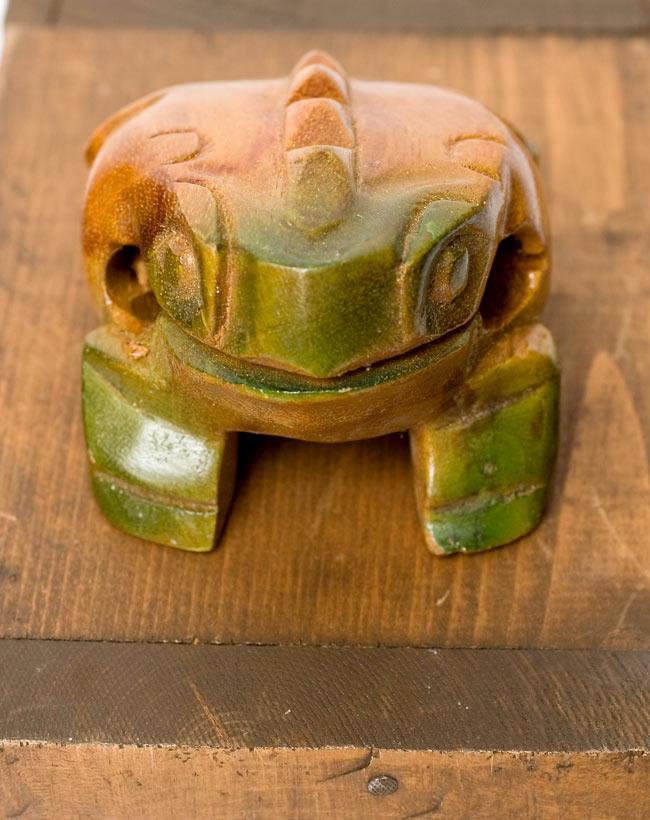 カエル型のギロ - 中 緑 3 - 真正面からみるとこんな感じです。