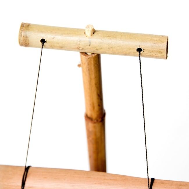 ベトナムの竹琴(トルン) 約95cm 5 - 上部はこのように引っ掛けます