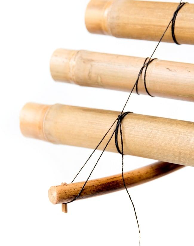 ベトナムの竹琴(トルン) 約95cm 6 - 下部はこのように取り付けます