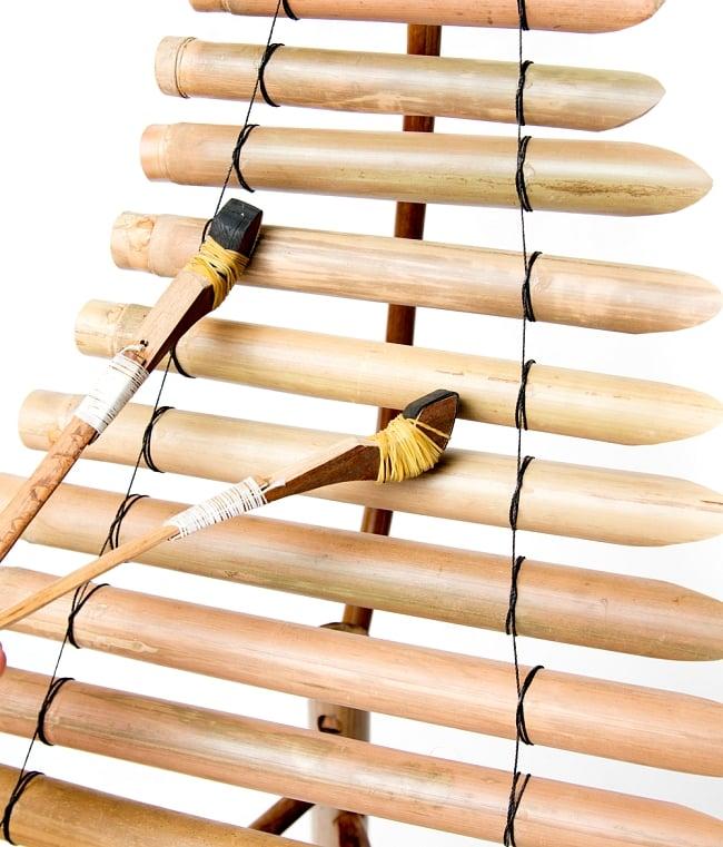 ベトナムの竹琴(トルン) 約95cm 7 - マレットが付属しますのですぐ演奏できます