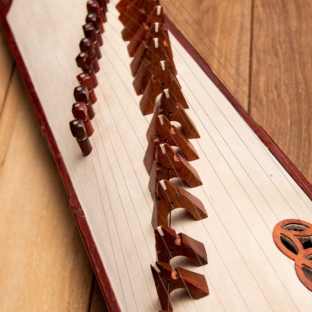 ベトナムの琴(ダン・トラン) - 装飾付き良品質 3 - 美しいアーチ状になっています。