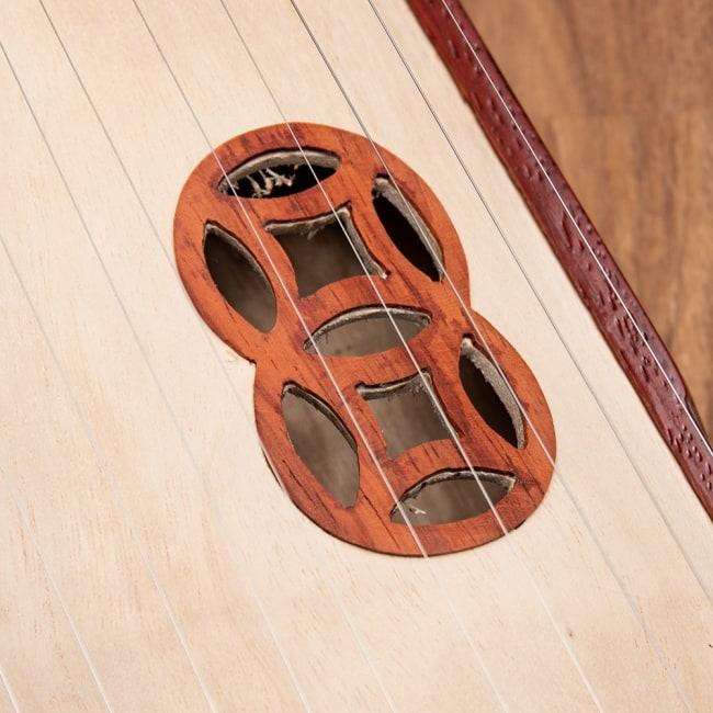 ベトナムの琴(ダン・トラン) - 螺鈿装飾付き 4 - サウンドホール部分です。