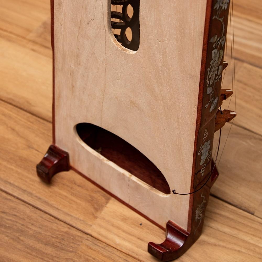 ベトナムの琴(ダン・トラン) - 装飾付き良品質 8 - 裏面の様子です。