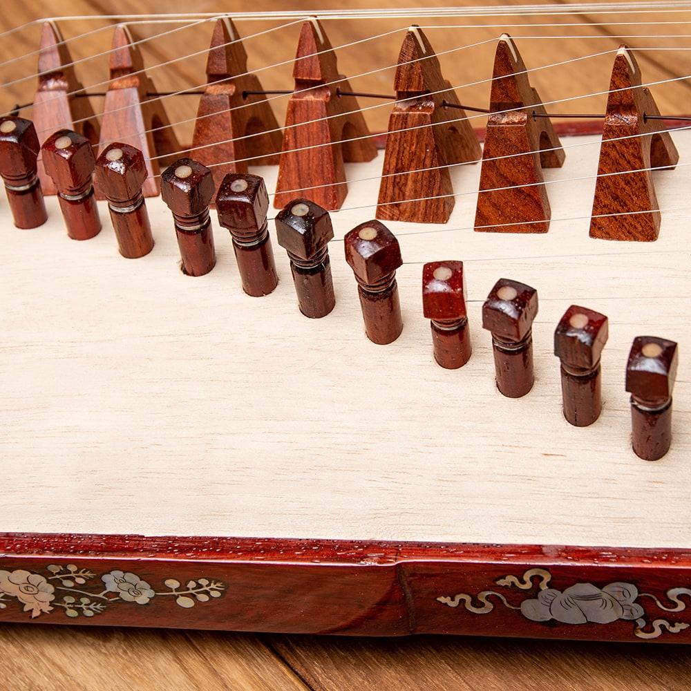 ベトナムの琴(ダン・トラン) - 装飾付き良品質 9 - 美しいアーチ状になっています。