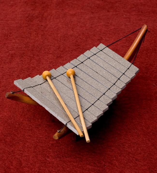 ベトナムのミニ石琴(ダン・ダー)の写真
