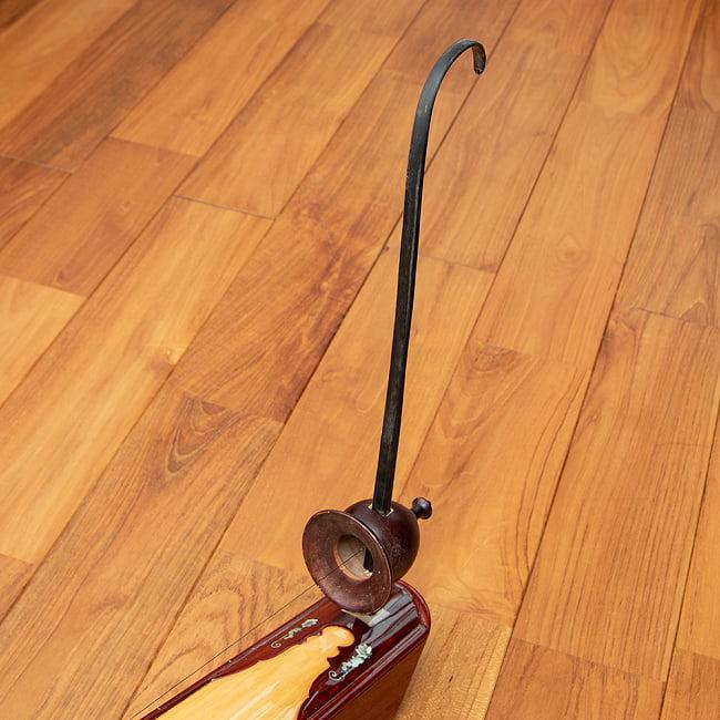 ベトナムの一弦琴 ダン・バウ 良品質(大) 2 - 音色の要となる部分です。(木目の色合いや細かな装飾が商品により多少異なる場合がございます。)