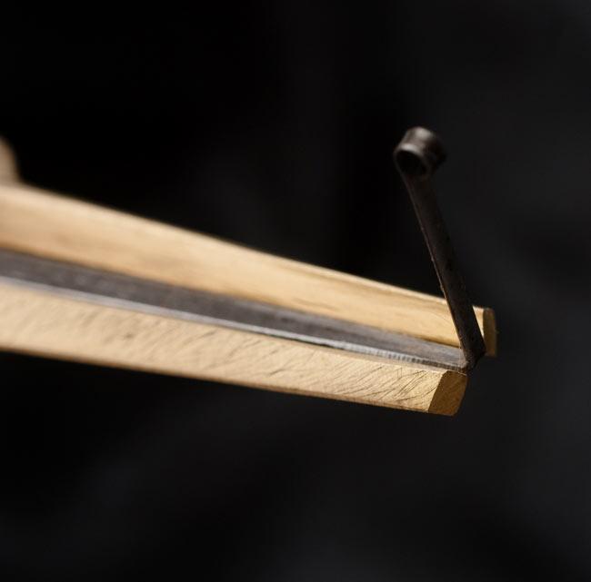 ベトナム口琴の写真3 - リードの先のアップです