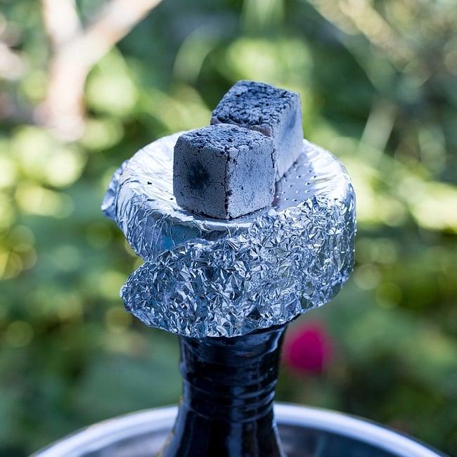 シーシャの炭 COCONUT COAL - 30個入り 7 - アルミ箔の上に載せてご利用ください。
