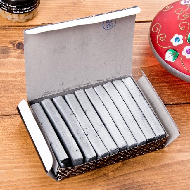 シーシャの炭 シルバーチャコール - 30個入り 2 - シーシャ専用のチャコールです。沢山入っているので、長くお使いいただけます。