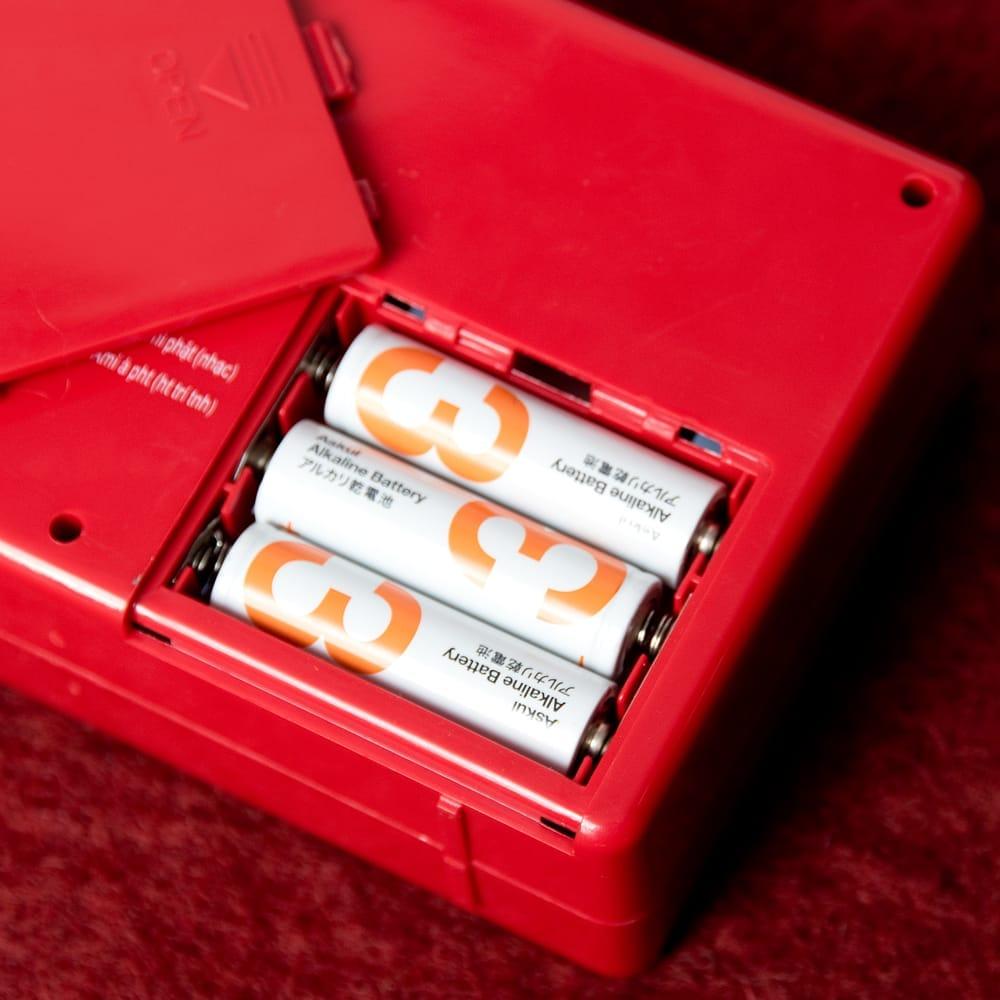 ブッダマシン どこでもいつでもお経が聞ける スピーカー内臓の自動読経機 8 - 単3電池3本で動くので、どこでも好きなところでお経が聞けます。(電池は付属いたしません。)