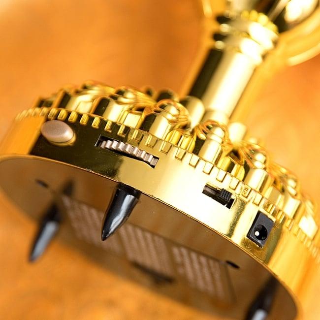 〔39曲収録〕光る金色のロータスブッダマシン どこでもいつでもお経が聞ける スピーカー内臓の自動読経機 6 - 曲送り、ボリューム調節、オンオフスイッチがついています