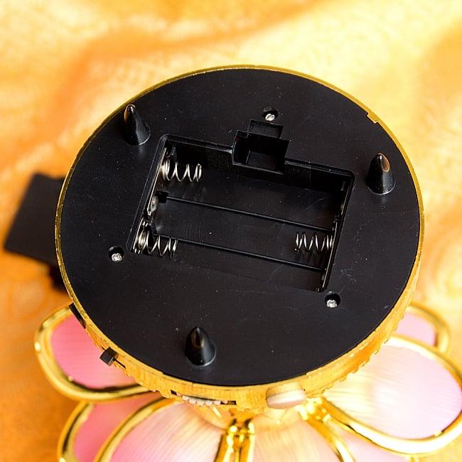 〔39曲収録〕光る金色のロータスブッダマシン どこでもいつでもお経が聞ける スピーカー内臓の自動読経機 9 - 単4電池で動きます(電池は付属いたしません。)