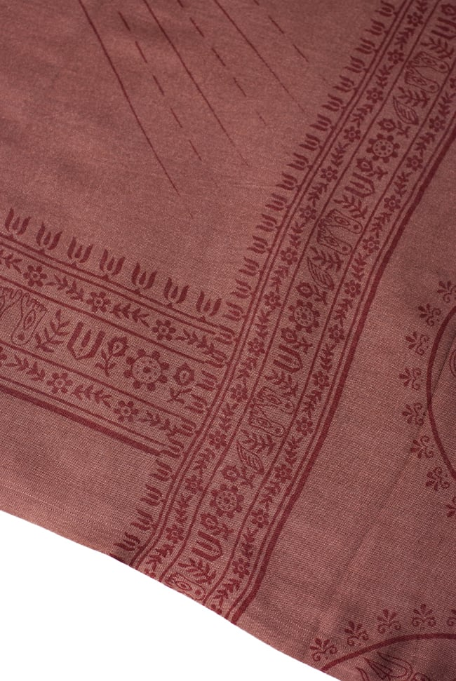 [200cmx100cm]座りシヴァのラムナミ 茶の写真4 - 文様部分の様子です。
